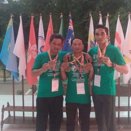 Ketua LPMD Desa Sriombo sang Atlet Menembak yang Akan Mewakili Indonesia di SEAGAMES Philipina