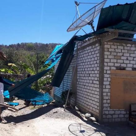 Angin Kencang Hempaskan Atap Rumah Warga Desa Sriombo